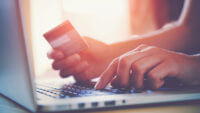 record-growth-in-online-shopping-over-the-holiday-weekend