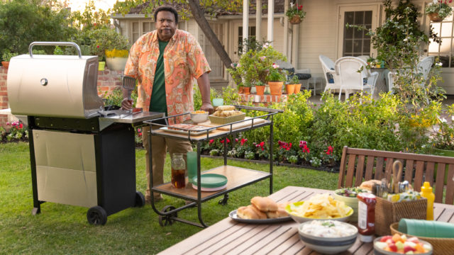scotts-miracle-gro's-super-bowl-ad-taps-into-millennial-'surge'-in-gardening