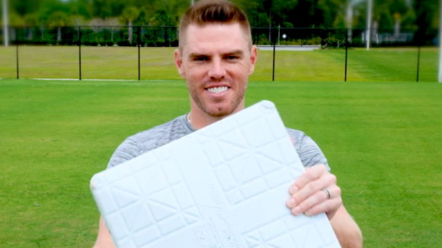scotts-throws-first-pitch-of-'opening-week-in-the-yard'-sweepstakes