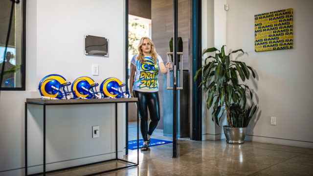 rebel-wilson-welcomes-fans-to-'her'-la-rams-draft-house-in-new-campaign