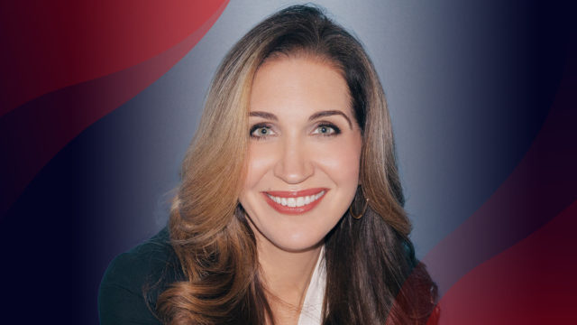 how-clinique's-michelle-freyre-is-empowering-tomorrow's-latina-business-leaders