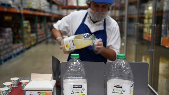 costco's-free-samples-are-returning,-even-though-samplers-may-not